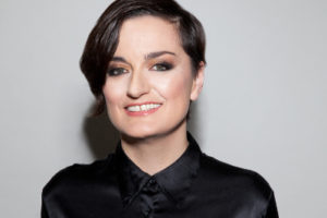 http://www.thefestivalontheclose.co.uk/wp-content/uploads/2017/02/Zoe-Lyons-300x200.jpg